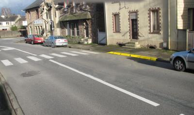 Ligne jaune stationnement 90 ko w1